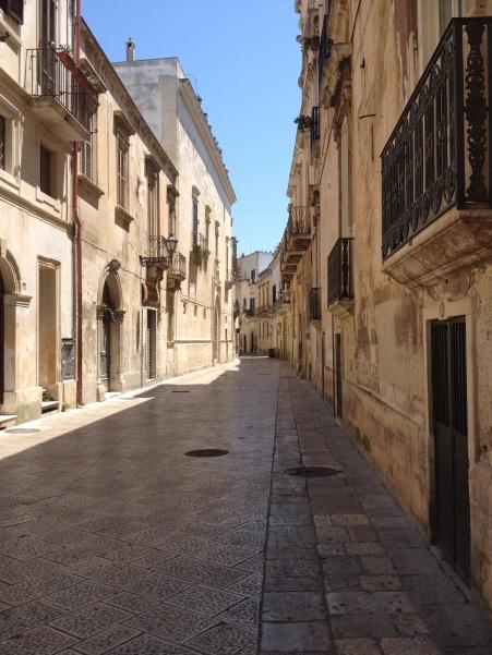 Empty streets = La siesta!