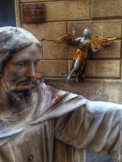 Lecce statue